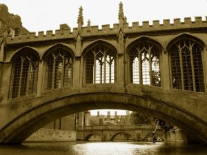 bridge-of-sighs-cambridge-uni-cc0-2216_640
